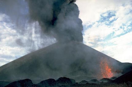 Cerro_Negro_eruption_1968.jpg